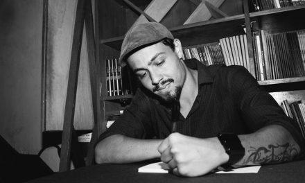 Poeta Igor Calazans lança terceiro livro no Rio de Janeiro